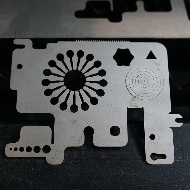 news-Lxshow-1000w fiber laser cutting machine for 07mm stainless steel metal sheet-img